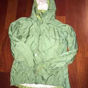 Marmot women's precip jacket size large. Green